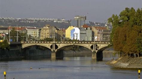 Hlávka bridge